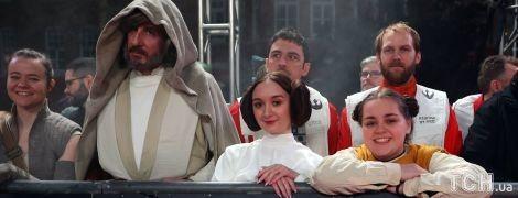 """Перший огляд 8 епізоду саги """"Зоряні війни"""": захопливі бойові сцени та несподівані сюжетні повороти"""