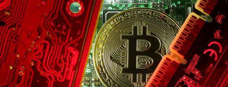 Курс биткоина впервые преодолел отметку в 18 тысяч долларов