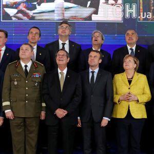 """""""Погані новини для ворогів"""": лідери ЄС у Брюсселі запустили оборонну співпрацю"""