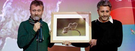 """Неуклюжая сова, веселая мышь, """"неприличные"""" обезьяна и медведи. Определили самые смешные фото дикой природы"""
