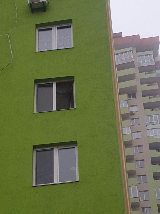 У Києві пенсіонерка вистрибнула з вікна 5-го поверху, щоб не бути тягарем