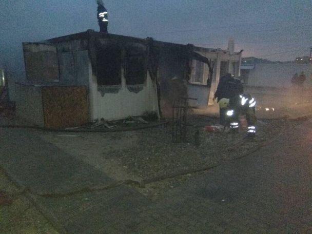 На Дніпропетровщині спалахнула пожежа у містечку для біженців: загинула дівчинка