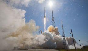 SpaceX вперше повторно запустила ракету Falcon 9 та космічний апарат Dragon