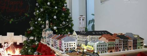 Американські дипломати зліпили з печива львівську площу Ринок