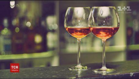 Британские ученые обнаружили, что за 300 лет размеры бокалов для вина увеличились в семь раз