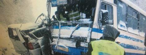 На Львовщине маршрутка с пассажирами попала в ДТП, есть пострадавшие