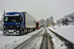 Полиция перекрыла грузовикам въезд в Кропивницкий