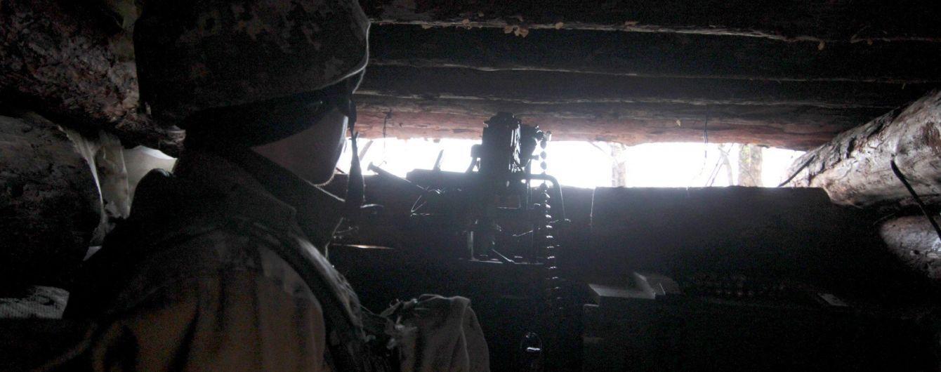 Бойовики стріляли більше 50 разів. Трьох українських військових поранено на Сході