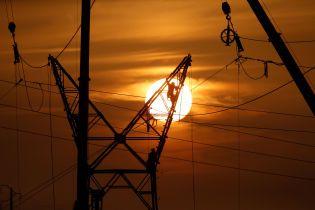 Через сильний вітер в Україні без світла залишаються майже 200 населених пунктів