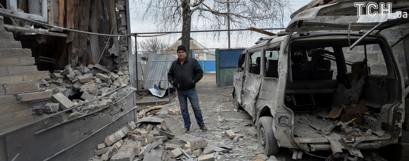 Дюжина прицельных обстрелов и раненный украинский военный. Сутки в зоне АТО