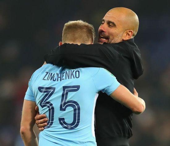 Гвардіола нагородив Зінченка міцними обіймами після матчу Кубка ліги