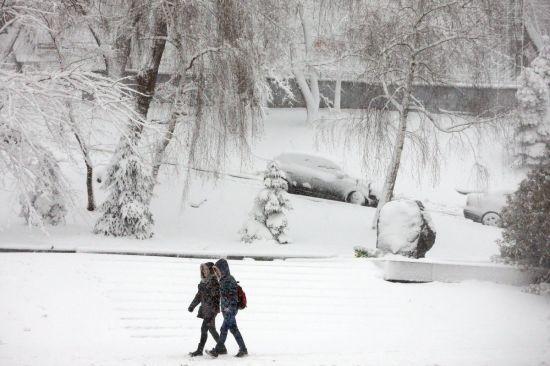 Синоптики обіцяють до кінця тижня сніг та ожеледицю. Прогноз на 21-25 грудня