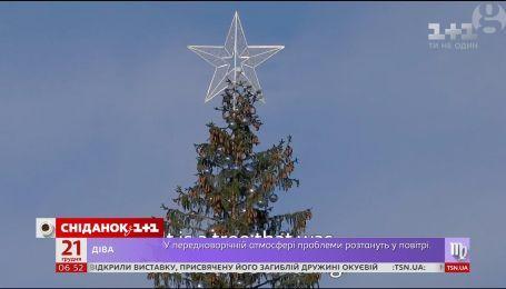 Найсумніше різдвяне дерево: головна ялинка Риму обсипалась ще до Різдва