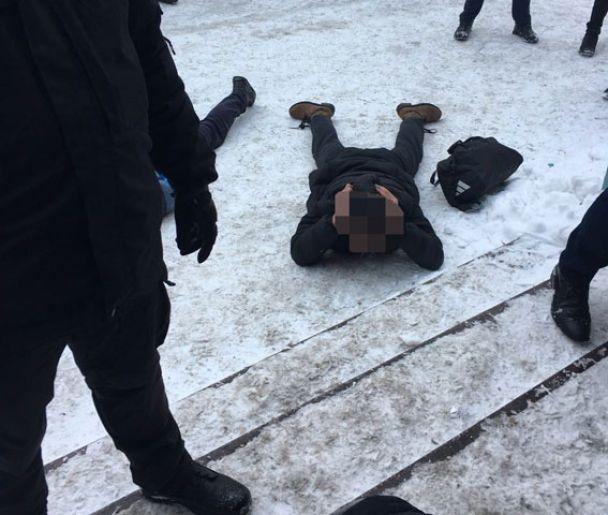 20 озброєних рейдерів напали на підприємство у Вінницькій області