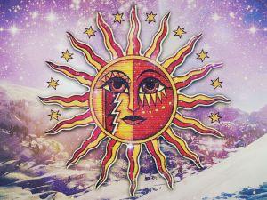 Загадывание желаний и чествование Рождества солнца: как отметить зимнее солнцестояние