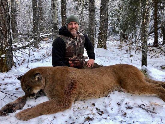 Учасника мисливського шоу в Канаді зацькували за жорстокі фото вбитих тварин