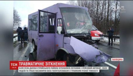 На Львівщині сталася аварія, постраждало п'ятеро людей
