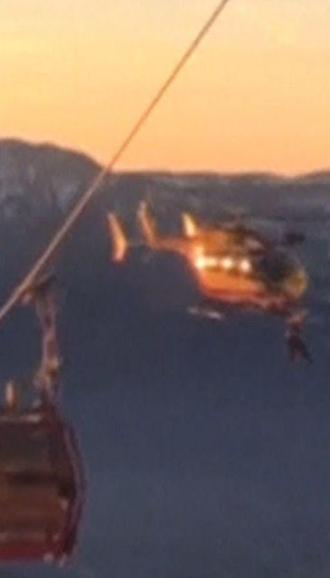 На французькому гірськолижному курорті десятки лижників застрягли на канатній дорозі