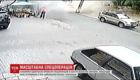 Правоохранители задержали банду, которая похищала и убивала людей в Киеве