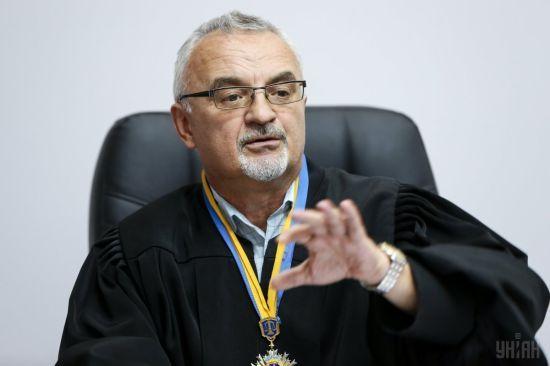 """У відставку подав суддя, який не посадив ватажка """"тітушок"""" Крисіна"""