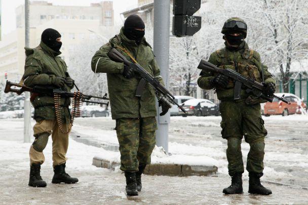 Переворот у Луганську: безлюдні вулиці та терористи з автоматами