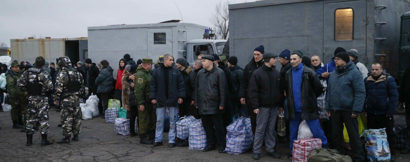 Несколько освобожденных на Донбассе заложников отказались от лечения из-за повышенного внимания СМИ