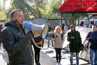 В Ирпене во время сессии горсовета украинский гимн прервали российским