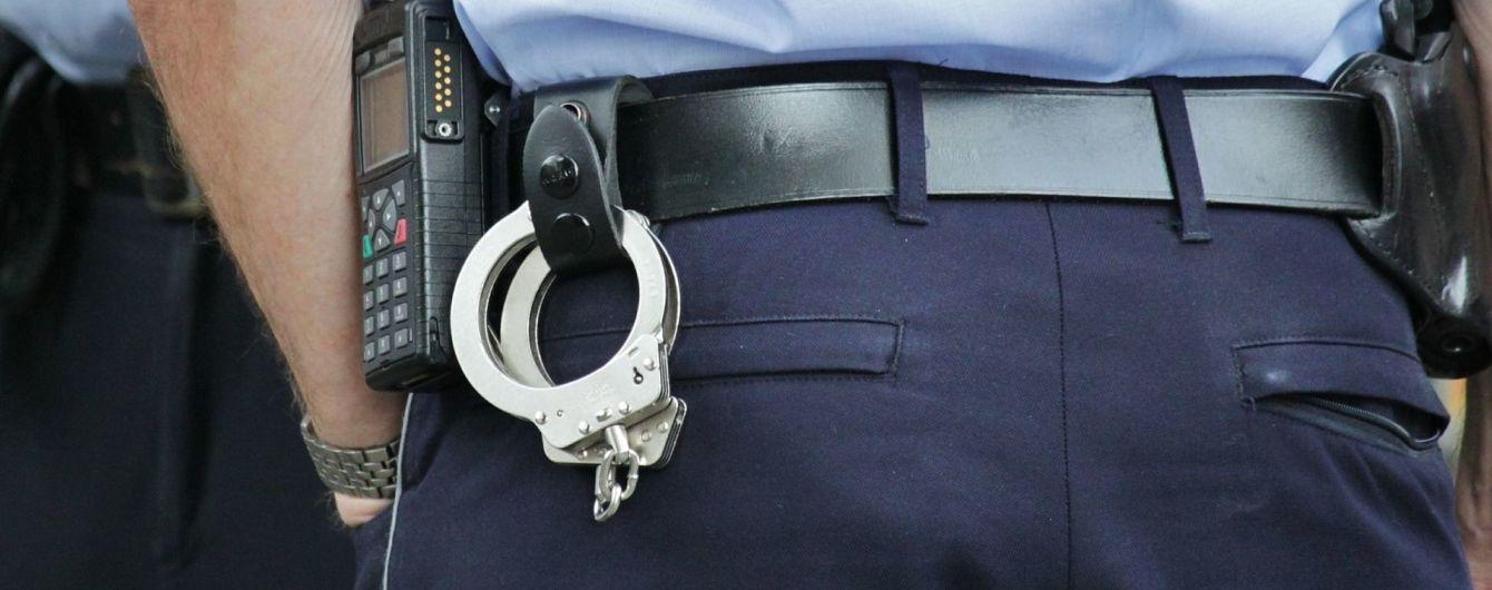 """В центре Одессы во время задержания """"барсеточников"""" пострадали трое полицейских"""