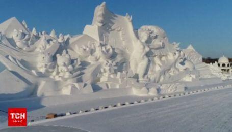 В Китае слепили целый город из снега