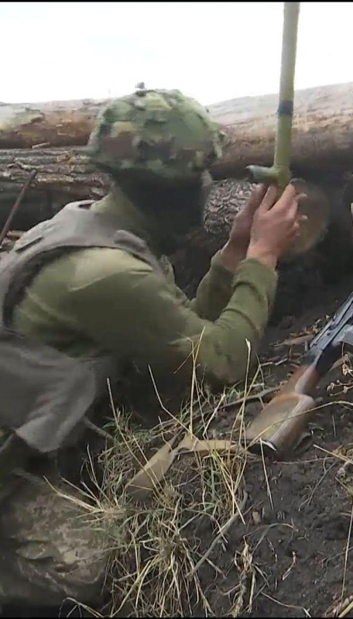 Фронтові зведення: один український військовий зазнав поранень на Сході