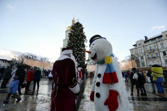У Києві привселюдно утилізували головну ялинку країни