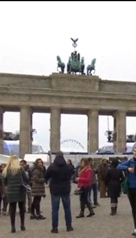 Подготовка к праздникам: в Берлине создадут зоны безопасности для женщин, а в Великобритании - мобильные вытрезвители