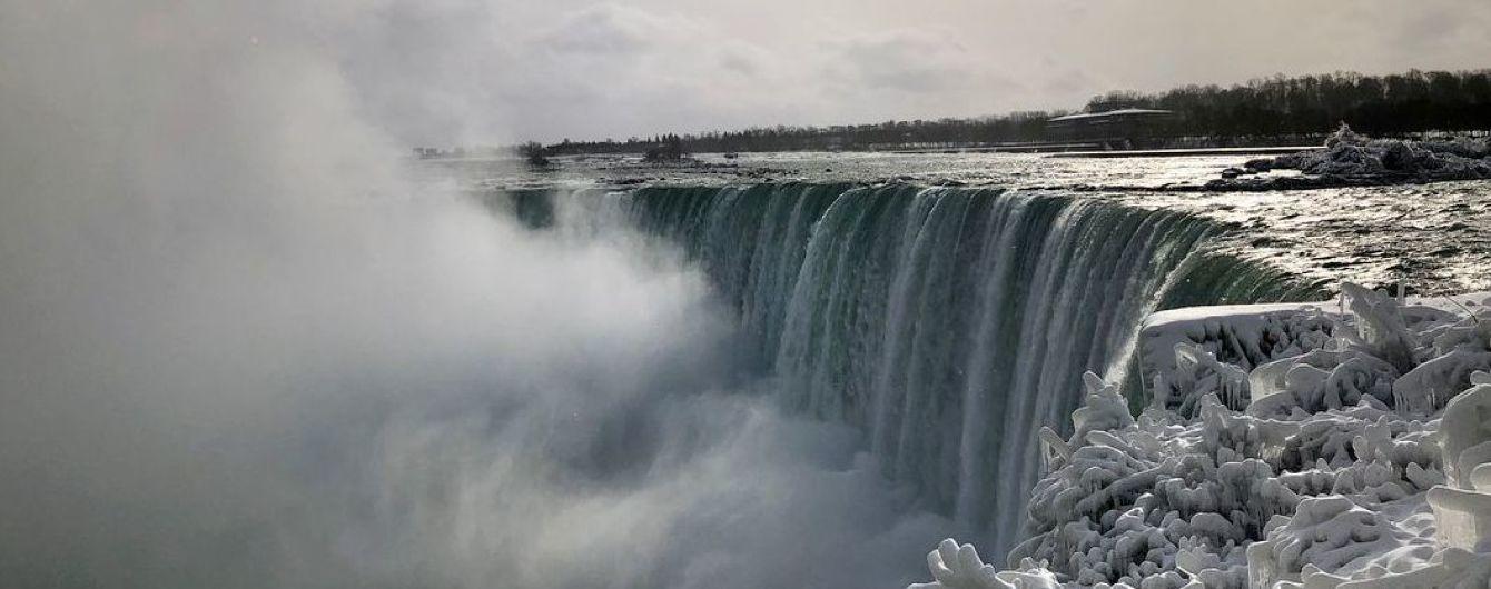 Ніагарський водоспад частково замерз через рекордний холод