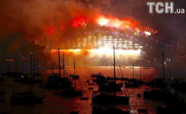 Новый год ярко шагает по планете: тонны пиротехники и миллиарды зрителей в интернете