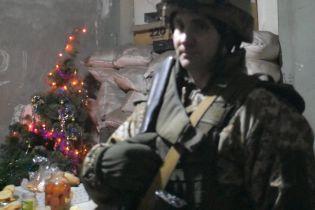 На Донбассе не до празднований: боевики продолжают стрелять, ранили украинского бойца