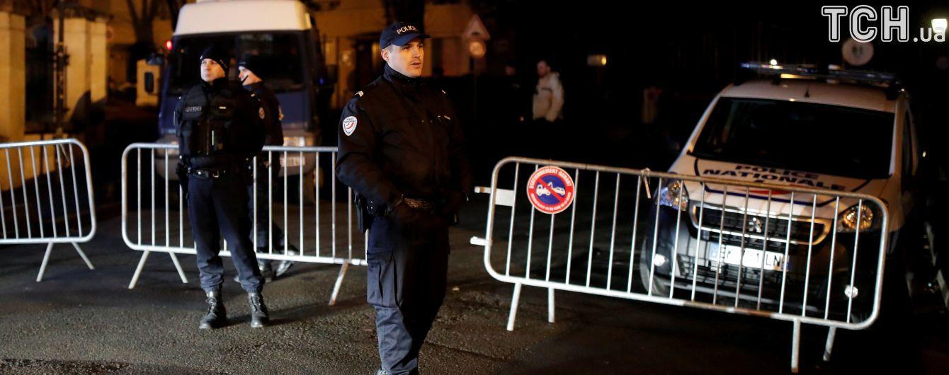 Во Франции в новогоднюю ночь неизвестные расстреляли мужчину из автомата Калашникова