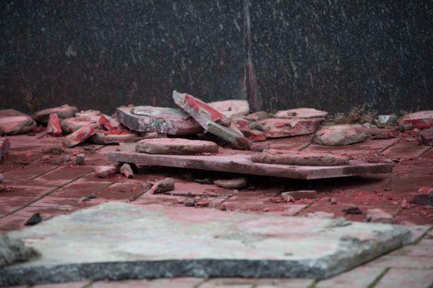 Вандалы осквернили монумент коммунарам вДнепре вдень рождения Бандеры