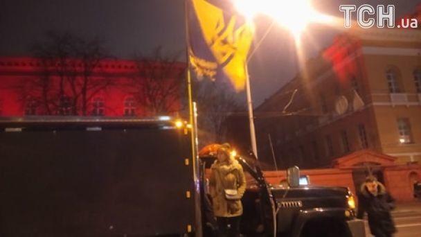 В Киеве проходит факельный марш в честь Бандеры. Онлайн-трансляция