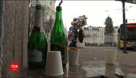 Со столицы коммунальщики после новогодней ночи вывезли несколько тонн бутылок