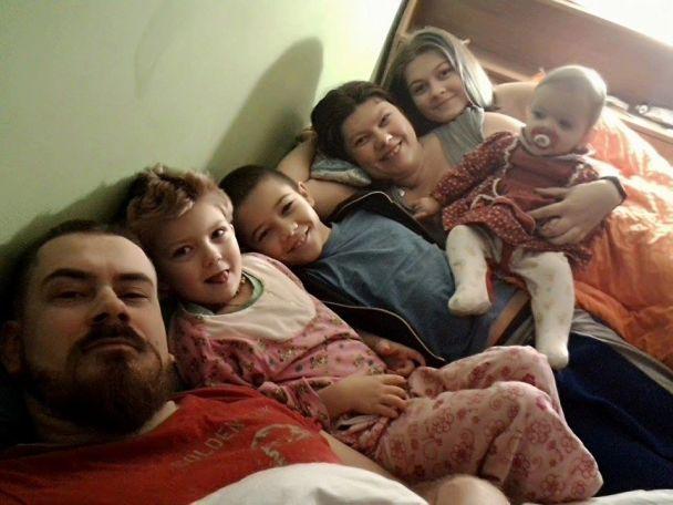 Загибель родини в Івано-Франківську. Від чадного газу померла відома поетеса та цілителька