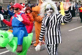 Новогодний парад в Лондоне: по городу прошлись тысячи фантастических персонажей и музыкантов