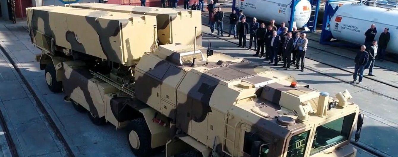 """В Сети появились кадры с новым украинским оперативно-тактическим ракетным комплексом """"Грім-2"""""""