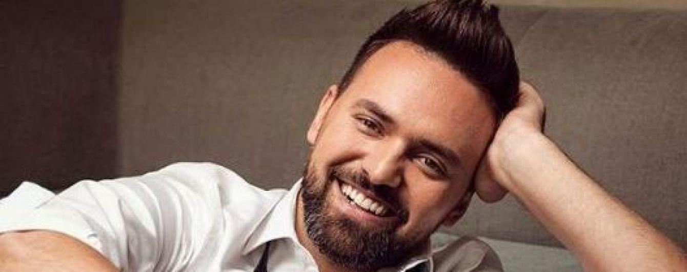 """Ведучий """"Євробачення-2017"""" освідчився своїй коханій"""