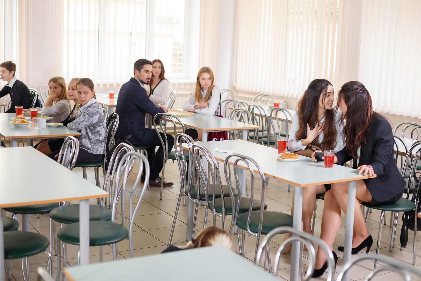 """Учасниця """"Голос.Діти"""" Анна Тринчер у серіалі """"Школа""""_1"""
