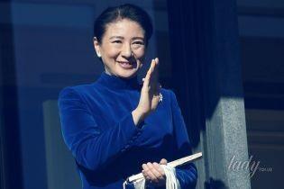 В синем бархатном платье и с жемчужными украшениями: японская принцесса Масако выступила на новогоднем торжестве