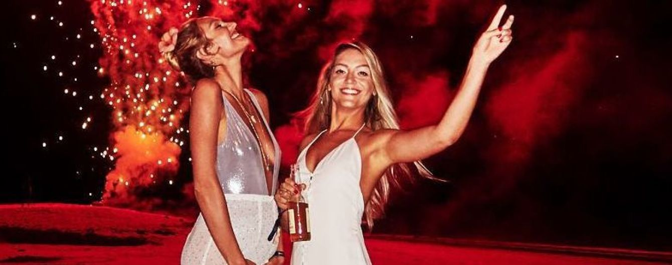 В вечернем платье с глубоким декольте: Кэндис Свэйнпоул похвасталась округлившимся животом