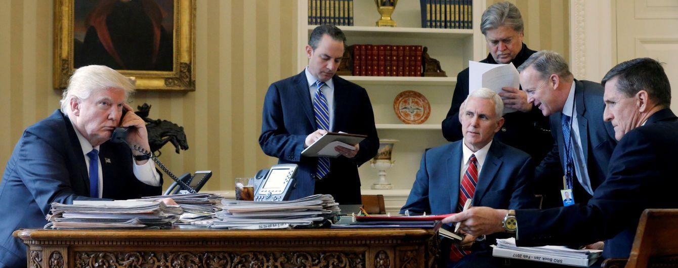 """""""Ми не почули спростувань"""": Спайсер непокоїться, чому Беннон не заперечує брехні у книжці про Трампа"""