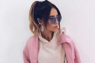 В худи и гетрах: стильный лук Нади Дорофеевой
