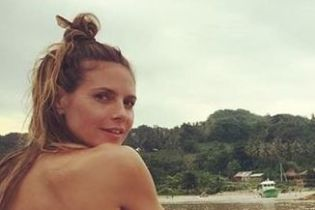 Без макияжа и с пучком на голове: Хайди Клум катается на лодке
