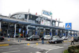 """В аэропорту """"Киев"""" на более 10 часов задержали рейсы в Грузию"""